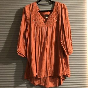 Woman's plus size blouse